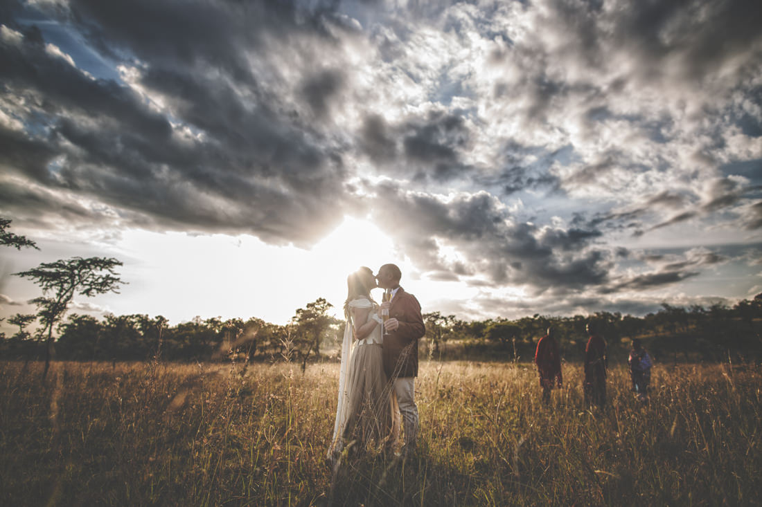 Matrimonio In Kenya : Kenya wedding photographer rustic and intimate wedding