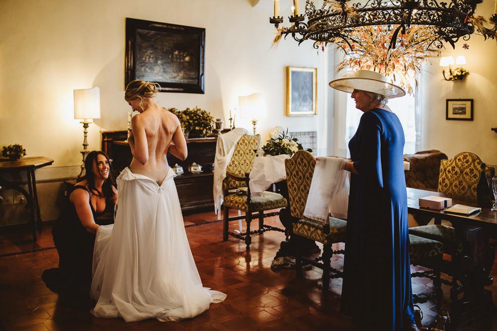 Fotografia Preparativi Sposa Borgo di Castelvecchio