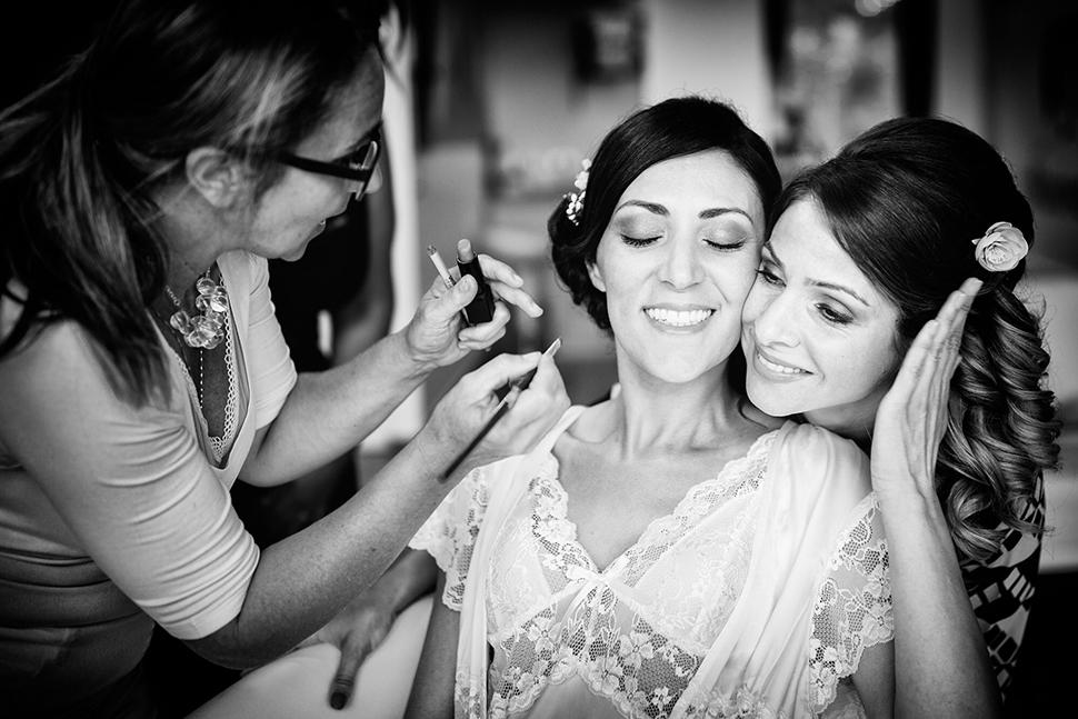 Fotografie Preparativi Sposa e Amica